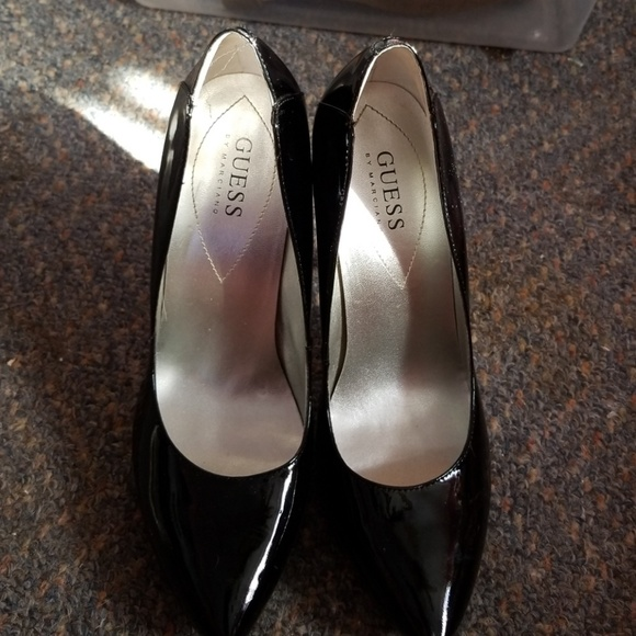factory price on feet images of reasonable price Guess black patent leather pumps